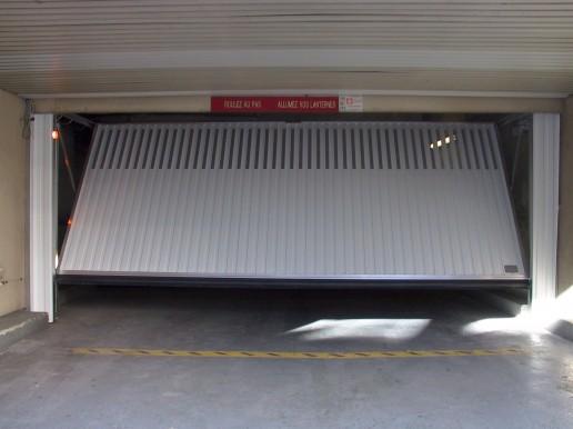 Safir porte de garage de parking allsas votre for Porte de garage safir