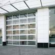 Porte sectionnelle industrielle vitrée